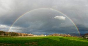 Regenbogen über Aesch